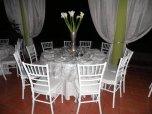 10 mesa con flores lirios