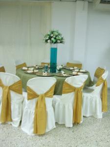 Boda blanco verde y dorado festejos 3