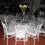 9 mesa blanca y sillas thifani